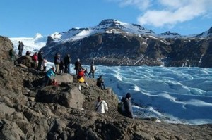 Skaftafell glacier & people ice group east