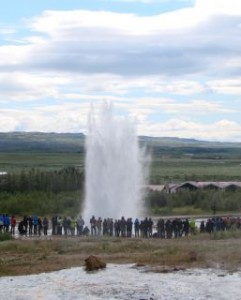 Classic.strokkur.bright.sky (1) golden circle geyser
