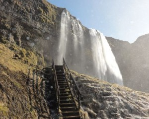 Seljalandfoss.with.stairway