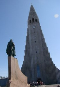 Leif.and.Hallgrimskirkja.bright